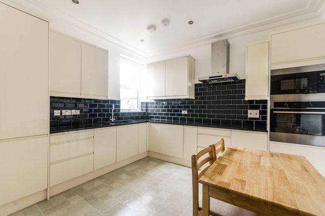 Thumbnail Flat to rent in Bathurst Gardens, Kensal Green