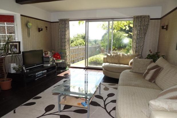 Thumbnail Property to rent in Pampisford Road, Purley