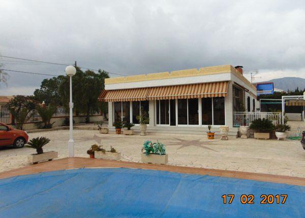 3 bed villa for sale in Albatera, Alicante, Valencia, Spain