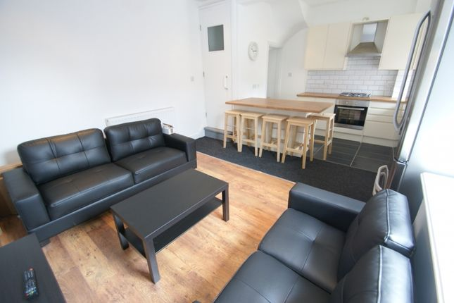 Thumbnail Terraced house to rent in Thomas Street, Woodhouse, Leeds