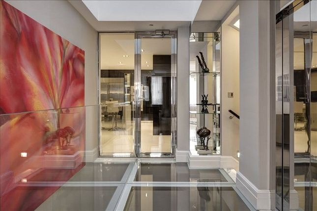 Hallway of South Street, Mayfair, London W1K