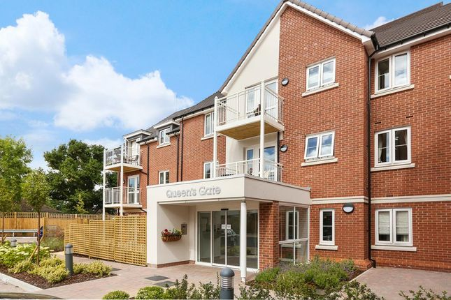 Thumbnail Property for sale in Queens Gate Wellington Road, Wokingham