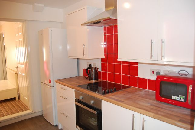 Thumbnail End terrace house to rent in Selbourne Road, Gillingham