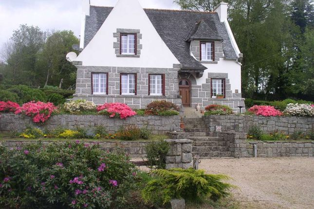 4 bed detached house for sale in 29410, Plourin-Lès-Morlaix, Finistère, Brittany, France