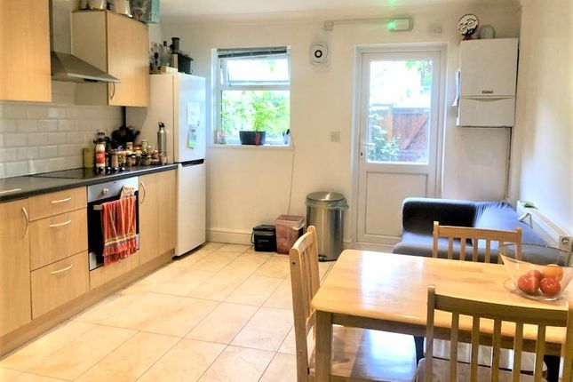 Thumbnail Flat to rent in Cottage Walk, London