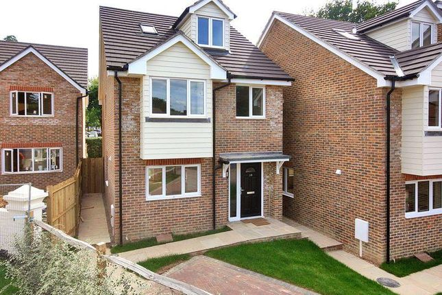 Thumbnail Detached house to rent in Gossops Green, Crawley, West Sussex