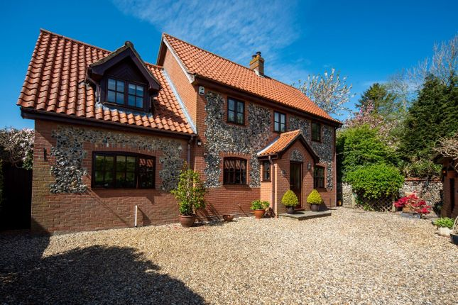 Thumbnail Detached house for sale in East Church Street, Kenninghall, Norwich