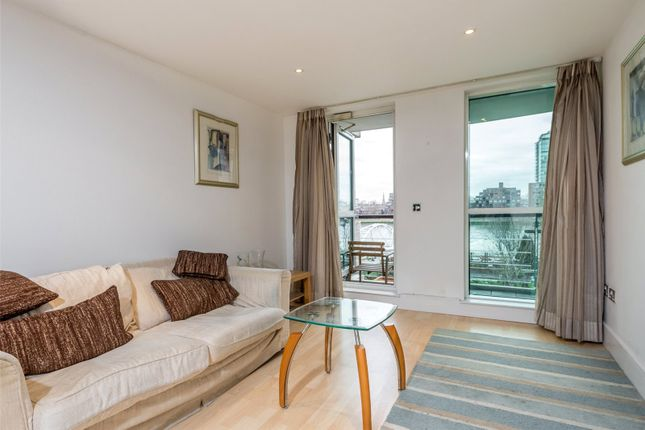 2 bed flat to rent in Ensign House, St George Wharf, Vauxhall, London SW8