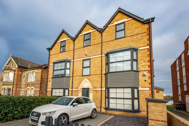 Thumbnail Flat for sale in Granville Road, Sidcup