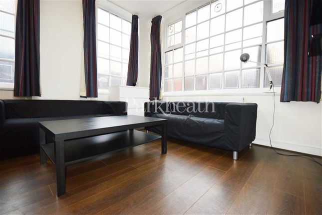 3 bed flat to rent in Chalton Street, Euston, London