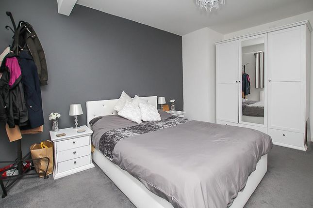 Bedroom One of Houldsworth Rise, Arnold, Nottingham NG5