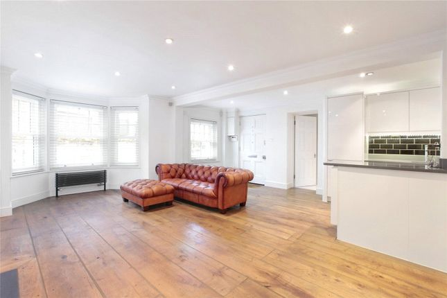 3 bed flat to rent in Leathwaite Road, Battersea, London