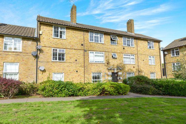 Thumbnail Flat for sale in Monkswood, Welwyn Garden City