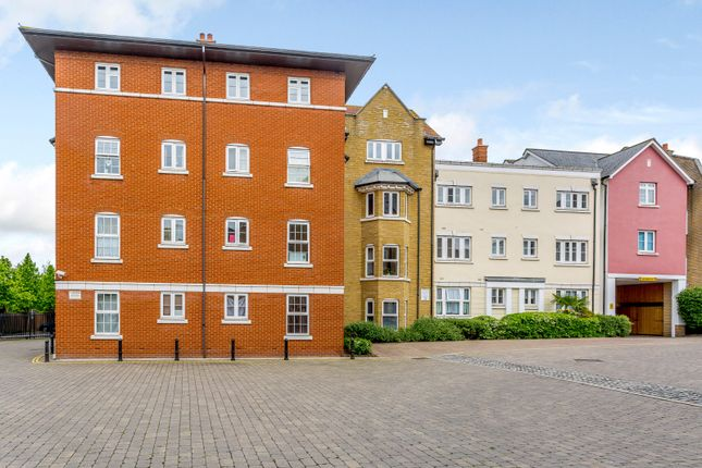 Thumbnail Flat for sale in Roche Close, Rochford