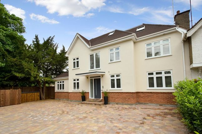 Thumbnail Flat for sale in The Drive, Finchley
