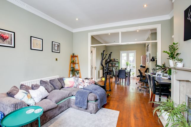 2 bed end terrace house to rent in Gloucester Road, Acton W3
