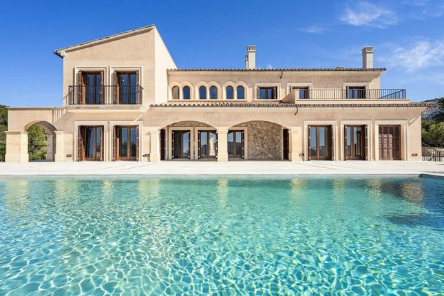 Thumbnail Villa for sale in Spain, Mallorca, Andratx, Camp De Mar