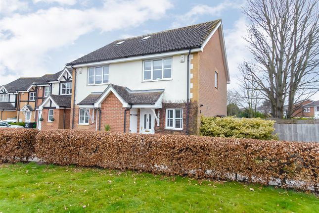 2 bed end terrace house for sale in Ferrers Close, Cippenham, Slough