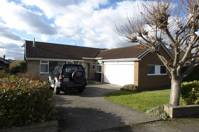 3 bed detached bungalow to rent in Wharfedale Road, Barnsley
