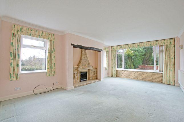 Lounge of Twatling Road, Barnt Green B45