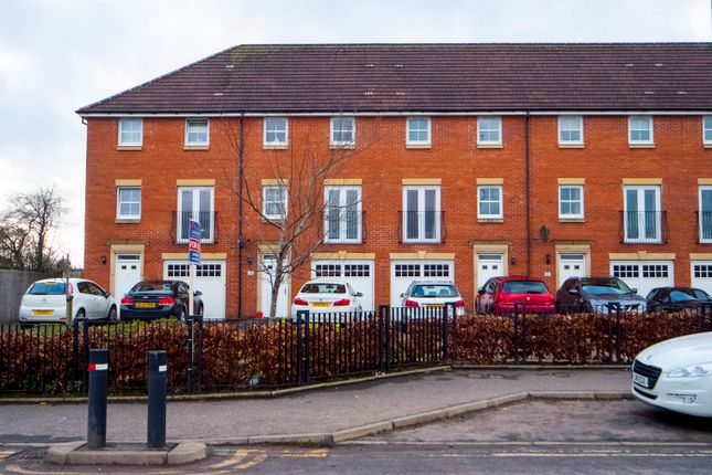 Thumbnail Town house for sale in Strang Place, Foundary Loan, Larbert