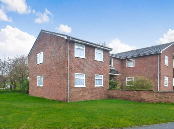Thumbnail Flat for sale in Burns Road, Royston