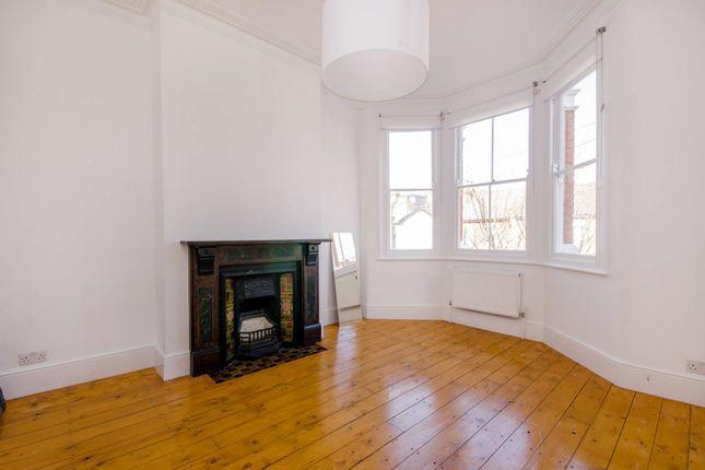 Thumbnail Maisonette to rent in Lyndhurst Road, Wood Green
