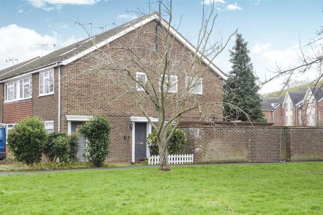 Thumbnail Maisonette for sale in Roakes Avenue, Addlestone