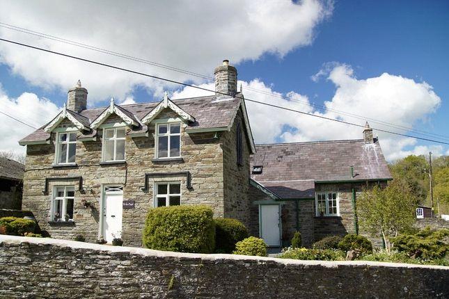 Thumbnail Property for sale in Yr Hen Ysgol, Aberbanc, Penrhiwllan, Llandysul