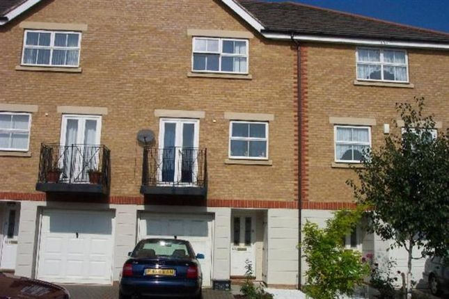 Thumbnail Town house to rent in Ribblesdale Avenue, Friern Barnet, London