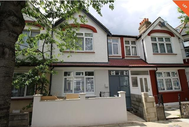 Thumbnail Flat to rent in Meads Road, Wood Green
