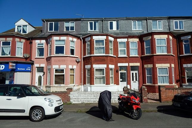 5 bed flat for sale in 64 Salisbury Road, Great Yarmouth, Norfolk NR30