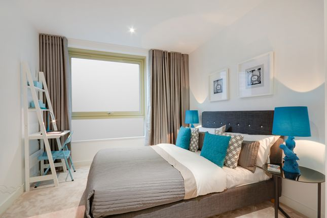 3 bedroom flat for sale in 5 Starboard Way, Traders' Quarter At Royal Wharf, London