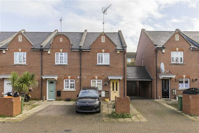 Thumbnail Flat to rent in Barge House Road, London