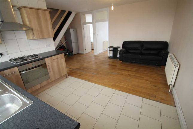 Thumbnail Maisonette to rent in The Broadway, Greenford, Middlesex