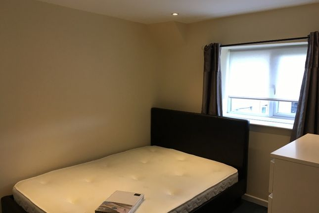 Thumbnail Flat to rent in Cliff Terrace, Treforest