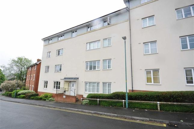 Thumbnail Flat for sale in Jack Russell Close, Stroud