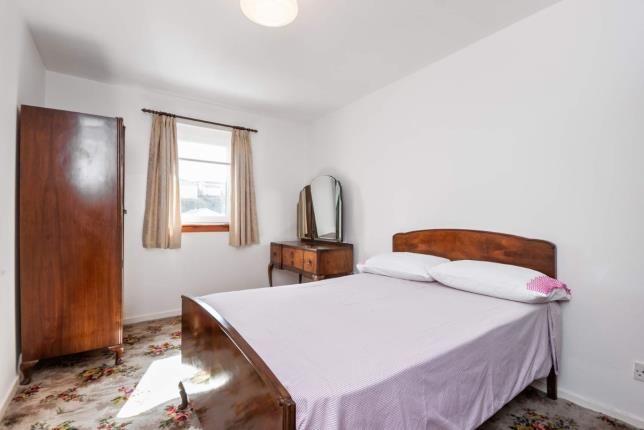 Bedroom 1 of Roxburgh Way, Greenock, Inverclyde PA15