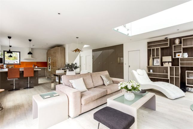 4 bed detached house for sale in Roughetts Road, Ryarsh, West Malling ME19
