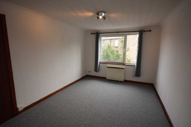 Thumbnail Flat to rent in Cromwell Court, Shore Street, Inverness