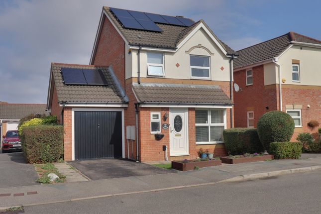 3 bed detached house to rent in Challinor, Church Langley, Harlow CM17