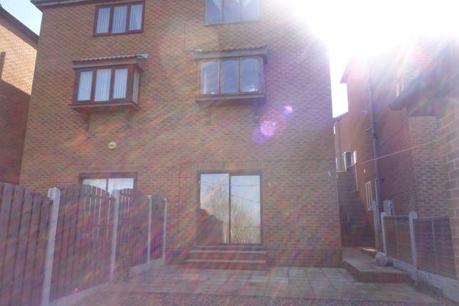 Thumbnail Flat to rent in Kildonan Grove, Sheffield