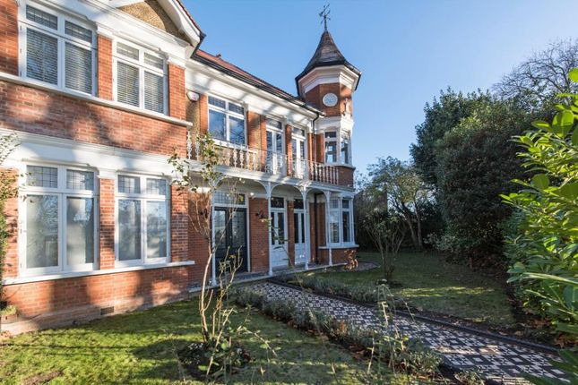 Thumbnail Property for sale in Hilly Fields Crescent, London