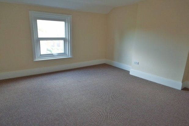 Thumbnail Flat to rent in Meols Drive, West Kirby, Wirral