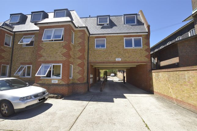 External 2 of Straight Road, Romford RM3