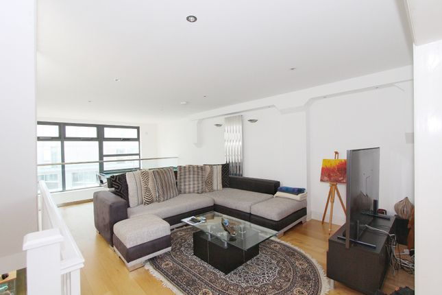 Thumbnail Flat for sale in Meridian Point, Creek Road, London