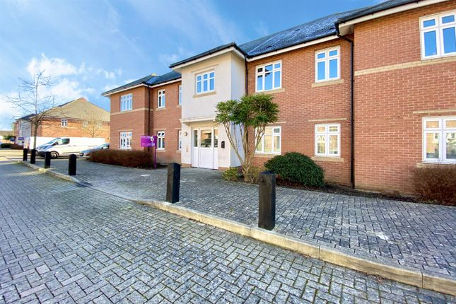 2 bed flat for sale in Gabriels Square, Lower Earley, Reading RG6