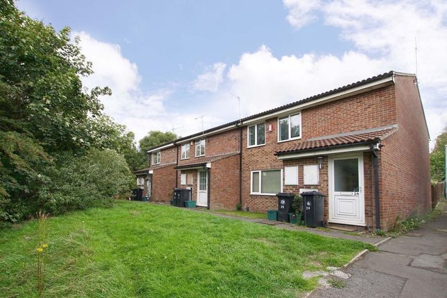Thumbnail Flat to rent in Holly Close, Speedwell, Bristol