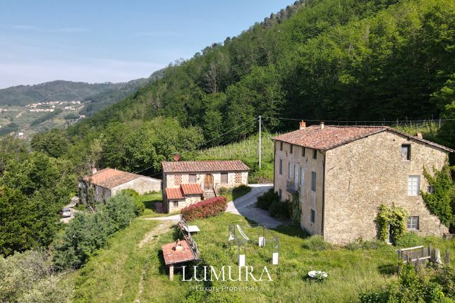 Thumbnail Country house for sale in Via Delle Ville, Lucca (Town), Lucca, Tuscany, Italy