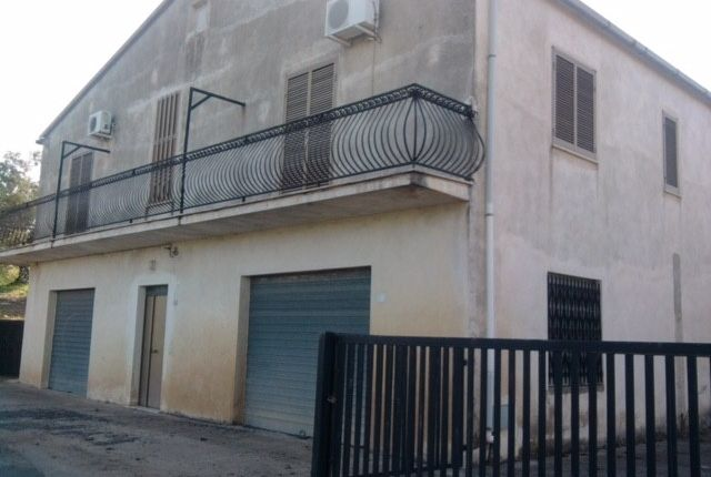 Thumbnail Detached house for sale in Santa Sofia D'epiro, Santa Sofia D'epiro, Cosenza, Calabria, Italy